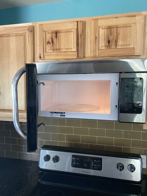 Frigidaire microwave for Sale in Redlands, CA