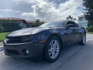 CHEVY CAMARO 2013 LT1 **CLEAN TITTLE** for Sale in Hialeah, FL