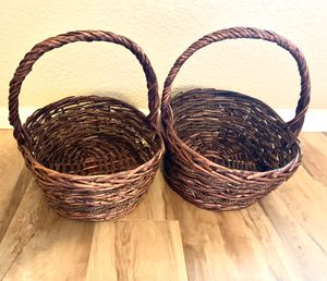 Set of 2 woven baskets for Sale in Sacramento, CA