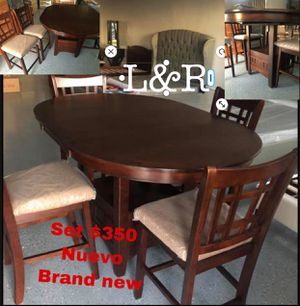 Dining table and chairs , new IN BOX for Sale in Compton, CA