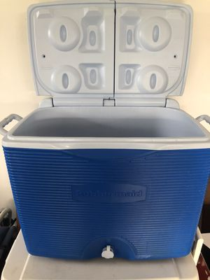 Brand new Rubbermaid Cooler for Sale in Snohomish, WA