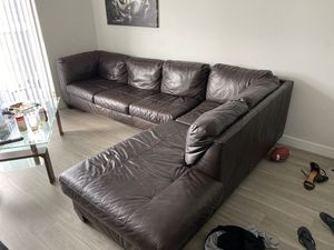 Brown leather couch for Sale in Tampa, FL