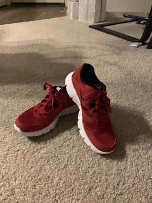 Boys Nike Flex Experience RN3- 5Y for Sale in Ashburn, VA