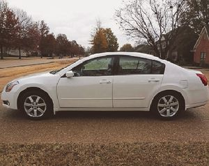 Immaculate! 2005 Nissan Maxima FWDWheels Excellent.:) for Sale in Milwaukee, WI