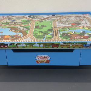 Thomas & Friends Wooden Railway Grow With Me Play Table Excellent Condition for Sale in Lutz, FL