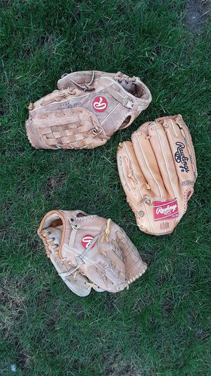 Rawlings baseball gloves for Sale in La Center, WA