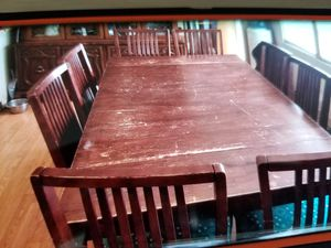Dining room table with 8 matching chairs for Sale in Saint Petersburg, FL