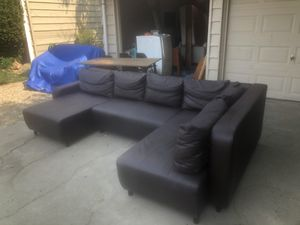 BEAUTIFUL SECTIONAL (WILL DELIVER) for Sale in Sacramento, CA