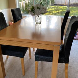 Kasala Dining Room Table for Sale in Sammamish,  WA