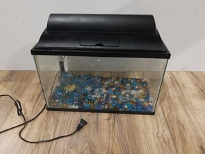 Fish tank &lid & light & decorations & filter & rocks for Sale in Glendale Heights, IL