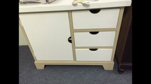 Dresser/ changing table for Sale in Philadelphia, PA