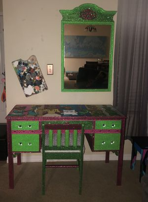 Desk of princess and the frog for Sale in Orlando, FL