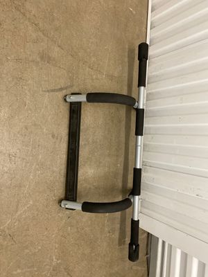 Working out pull up bar for Sale in Lakewood, CA