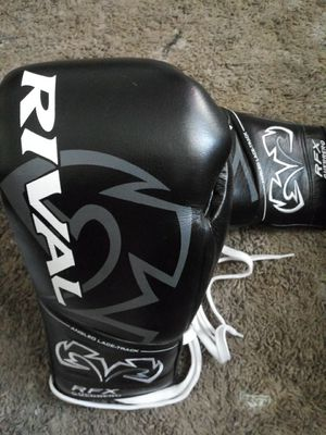 RFX GUERRERO Official UFC Gloves... for Sale in Houston, TX