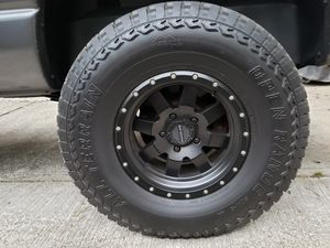 "TRADE MY 35"" TIRES FOR YOUR 33"" TIRES for Sale in Milton, WA"
