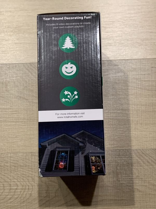 WindowFX Holiday Video Decorating Kit with Remote Control, 8 Videos & Projector