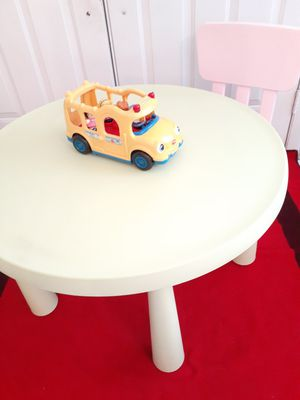 Kids table with a chair for Sale in Hialeah, FL