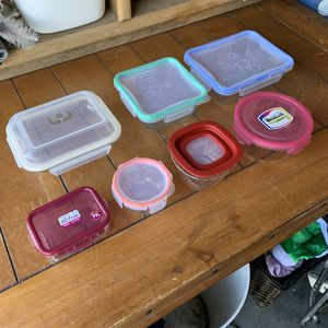"7""9"" Largest & 4"" Smallest circle - Glass Storage Tupperware Containers for Sale in Mesa, AZ"