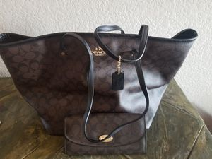 Ladies Coach purse and matching wallet for Sale in Arvada, CO