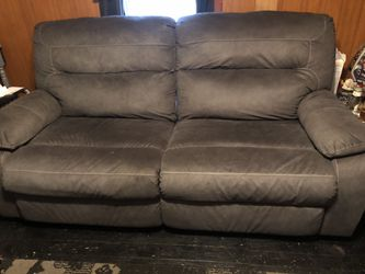 Couch and loveseat for Sale in Shinnston,  WV