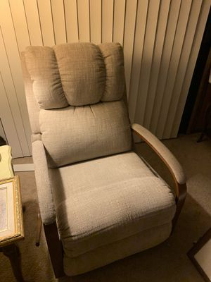 Lazy boy rocking recliner for Sale in Fresno, CA