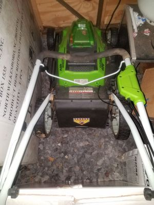 2 Batteries Cordless Lawn mower Green works comes w extra battery and charger 2 batteries both LION high capacity. for Sale in Queens, NY