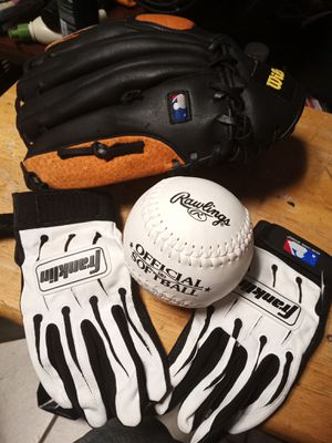 Gloves softball and mitt for Sale in Stockton, CA
