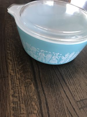 Pyrex Amish large turquoise casserole dish with clear glass lid for Sale in Rancho Santa Margarita, CA