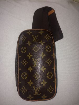 Louis Vuitton Monogram Pochette Gange Bag for Sale in Westminster, CO