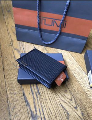 New TUMI Wallet ID Card Case Leather for Sale in Los Angeles, CA