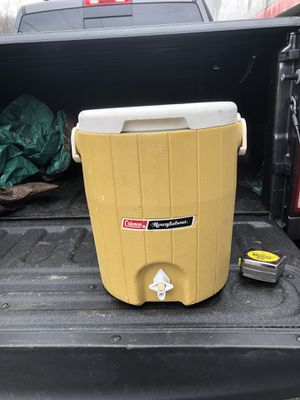 Coleman 3 gallon Cooler for Sale in Glenshaw, PA