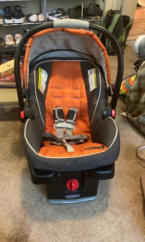 Infant Car seat with base for Sale in Norfolk, VA