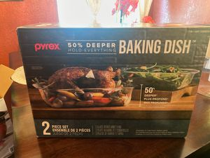 Pyrex glass baking dish set for Sale in Hawthorne, CA