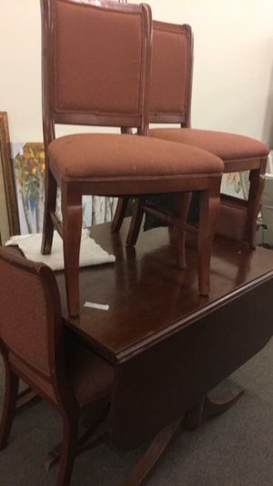 Table with 4 chairs for Sale in Dixon, MO