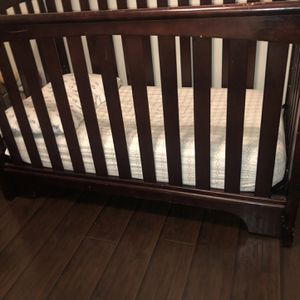 Crib / Mattress/ Changing Table for Sale in Long Beach, CA