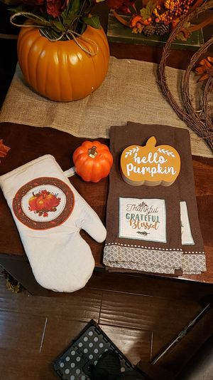 Fall decor & oven mit for Sale in Lake Forest, CA