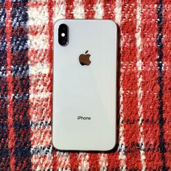 iPhone X - 64GB - Silver - Unlocked for Sale in Anaheim,  CA
