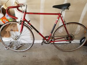 Raleigh Grand Prix road bike for Sale in Kirkwood, MO