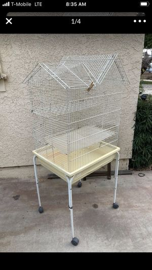 Bird cage for Sale in March Air Reserve Base, CA
