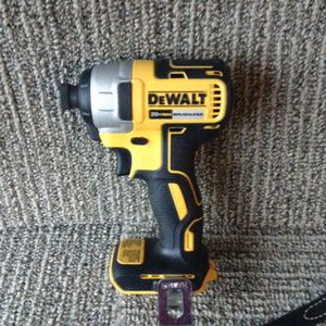 Dewalt 20 V XR impact for Sale in Columbus, OH