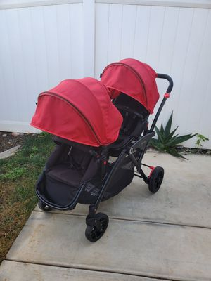 Contours Options Double stroller. Include: Universal Car Seat Adapter. for Sale in Perris, CA