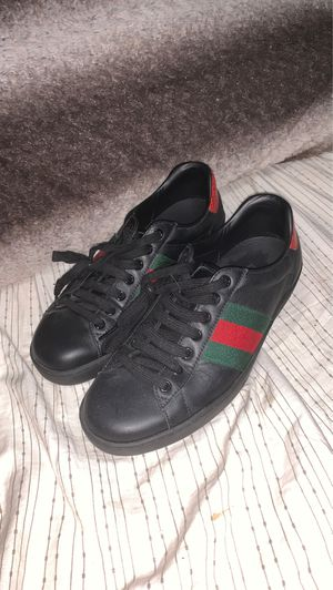 Real Gucci Ace Shoes Size 5 (Black) for Sale in Marysville, WA