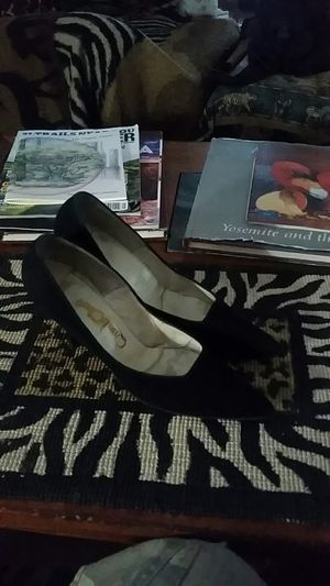 """Qual Craft Black Suede 3"""" heels pointed toe for Sale in Phoenix, AZ"""