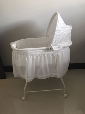 baby bassinet for Sale in Hollywood, FL