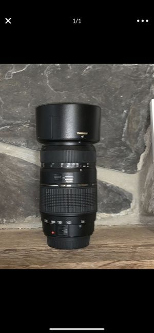Tamron Auto Focus 70-300mm f/4.0-5.6 Di LD Macro Zoom Lens for Canon Digital SLR Cameras for Sale in Jacksonville, FL