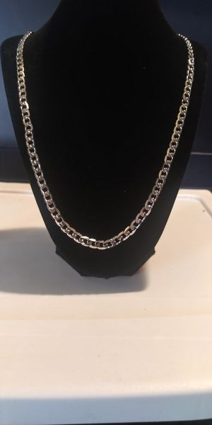 6x28in white 18ktgf cuban link necklace for Sale in Garfield Heights, OH