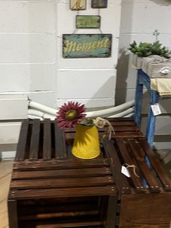 Wood Coffee Table With Room For Decorations And Coasters for Sale in Bonney Lake,  WA