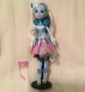 """Monster High """"Ghouls Rule"""" Abbey Bominable Doll and Accessories EUC for Sale in Goodlettsville, TN"""