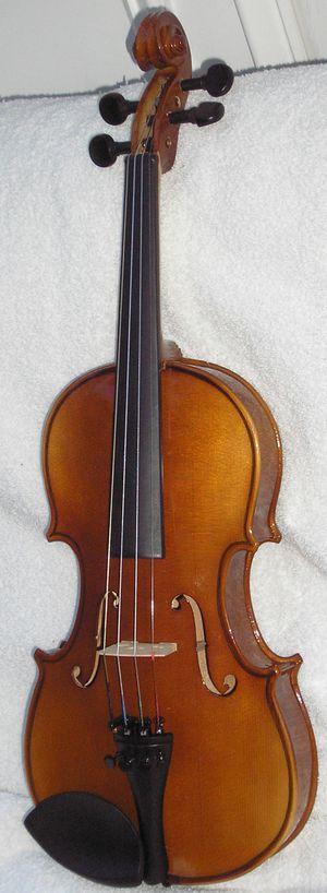 1/2 Violin for Goth Child for Sale in Wilmington, DE