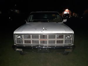1982 GMC SIERRA 3500 GAS FLATBED for Sale in Cave-In-Rock, IL